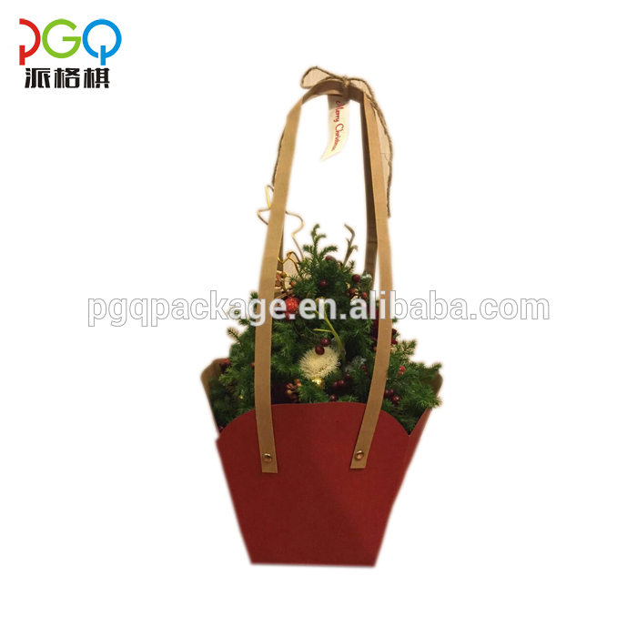 Creative packaging kraft paper bag with handle